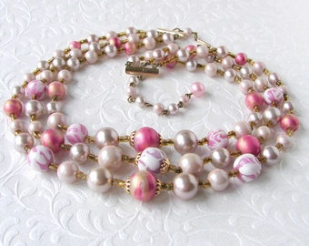 Vintage 3 Strand Beaded Necklace Pink Lavender White Glass Beads Almost Mauve Faux Pearl Rose Gold Bead 50s Japan Costume Jewelry Wedding