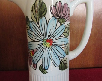 Floral 1960s Pitcher Mod Blooms