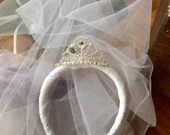 Tiara, bridal tiara, bride crown, bachelorette tiara, bachlorette veil, weddings, bride, headpiece with veil