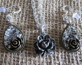 Pretty rose necklace and earrings set
