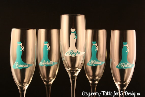 Set of 5 Personalized Champagne Flutes/Champagne Glasses/ Wedding Dress/ Bridesmaid/ Maid of Honor/ Mother of the Bride/Mother of the Groom