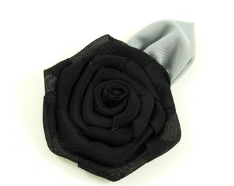 Flower with leaf, 6cm - black