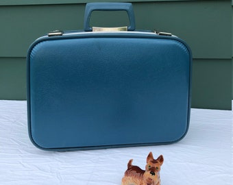 Vintage Suitcase Little Blue Suitcase Hardshell Suitcase GREAT CONDITION Vintage Luggage Vintage Home Decor Storage Case