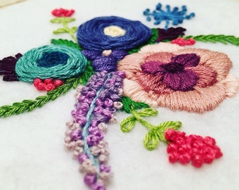 Hand Embroidery Hoop Art;  Flowers Wall Decoration