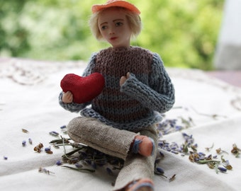 Clay doll handmade - Miniature doll Valentine, Valentine's day OOAK tiny doll, special gift for her, love gift, home decor - 3 inch
