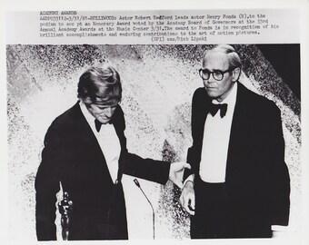 1981 Vintage Press photograph Henry Fonda &  Robert Redford - Oscar Awards