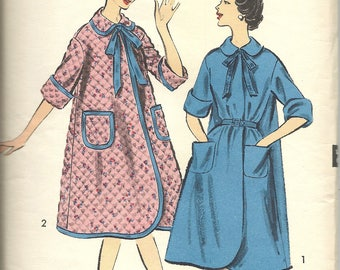 Advance 8817 / UNCUT COMPLETE FF / Vintage 1950s Sewing Pattern for Women's Robe House Dress / Size 16 Bust 36 Medium / Collar Pockets Bow