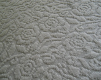 REDUCED-Vintage White Roses Design Polyester Chenille Bedspread-full size-103x90