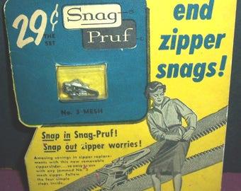 1950s Snag-Pruf zipper pull, sealed on card