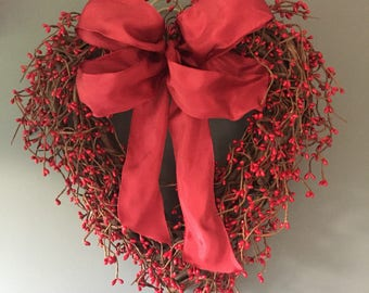 Winter red pip berry door wreath, red winter wreath, new home gift, winter door wreath. All year round decor