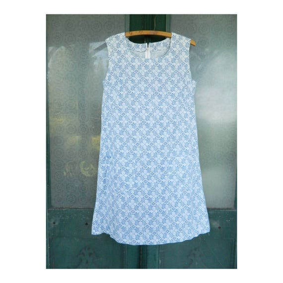 Vintage Homemade Blue and White Lace Print Sleeveless Shift Dress M/L