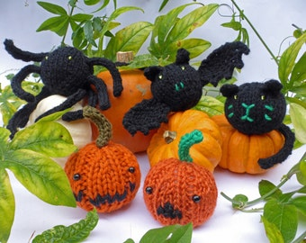 Halloween Baubles, KNITTING PATTERN in PDF,  Cat, Pumpkin, Bat and Spider Softies, Halloween decorations, Instant download