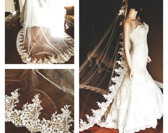 Mantilla veil. Lace wedding veil, cathedral length