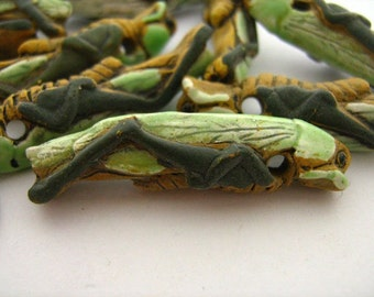 4 Large Grasshopper Beads - LG156