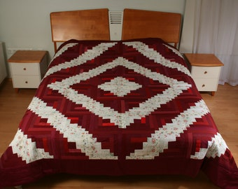 """Handmade quilted bed cover, made in """"log cabin"""" technique - 94,4"""" x 94,4"""""""