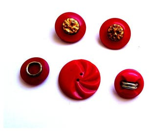 5 buttons old red, red vintage buttons