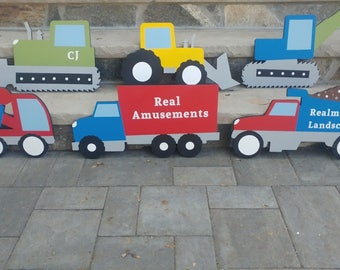 Garçons sur mesure Construction véhicule Wall Decor ensemble - décor de camion garçons - garçons personnalisé nom signe et jeu de Construction décor