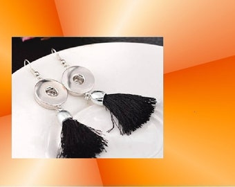 Pair these earrings has fringes to 18cm black snap
