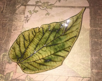 Leaf bowl , Grape leaf, Spoon rest , Ceramic spoon holder, Teabag holder, Ring dish, Jewelry dish, Soap dish, Candle holder, Cookies plate,