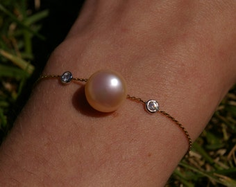 Thin diamond and pearl bracelet