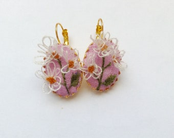 Earrings embroidered / Daisy Earings
