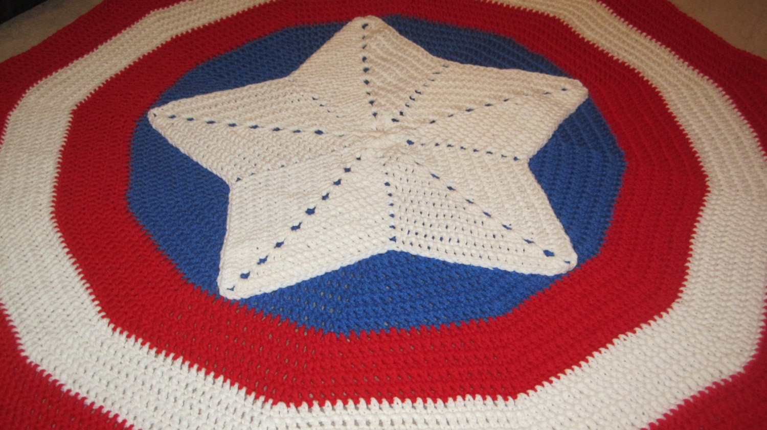 Shield captain america inspired shield round blanket zoom bankloansurffo Images