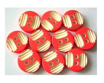10 Vintage buttons 11mm plastic pink with white