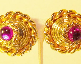 These lovely earrings are meant to look in two directions.