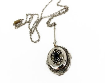 Vintage 20s Art Deco Locket Necklace // picture // photo // perfume // glass cabochon // black // silver // goth // gothic // mourning