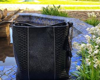 All //ANGELE// bucket bag black gun