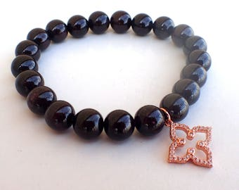 Garnet bracelet , woman bracelet, beaded bracelet woman , Fertility bracelet , Healing bracelet woman , Charm bracelet , Clover bracelet