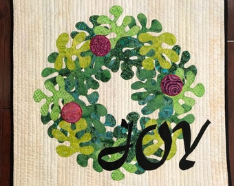 Christmas Joy Wreath Quilted Wallhanging