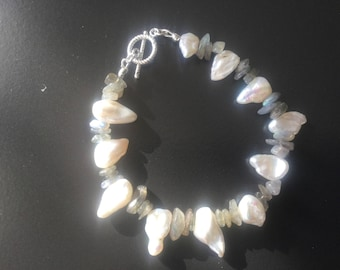 Keshi pearl and labradorite bracelet with sterling silver toggle clasp