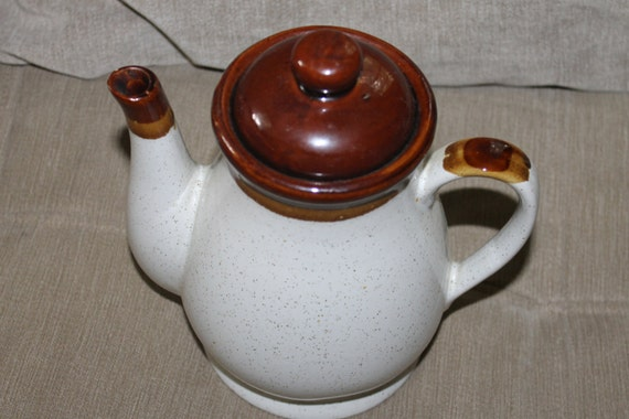 Vintage Brown and Cream Teapot Made in Taiwan Very
