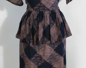 Vintage 40s Navy Blue & Taupe Slinky Rayon Peplum Wiggle Secretary Day Dress