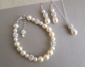Bridal Pearl Earrings Set, Bridesmaid Jewelry Set, Swarovski Pearl Earrings Set, Classic Bridal Earrings, Wedding Jewelry set,  CLAIRE