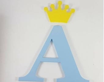 Letter of 25 cm. with Crown.