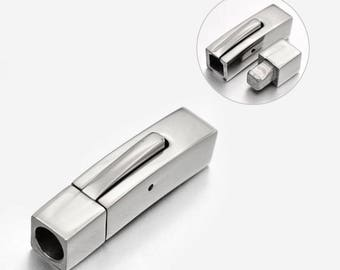 Large cubic Keyhole stainless steel clasp