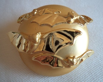 Vintage Signed AJC  Goldtone Bats Flying around Moon Brooch/Pin