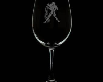 13 Ounce Aquarius Personalized Wine Glass