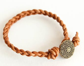 Light Brown Braided Leather Bracelet • brown leather braided bracelet • tan leather bracelet • light brown leather bracelet •B1LB003