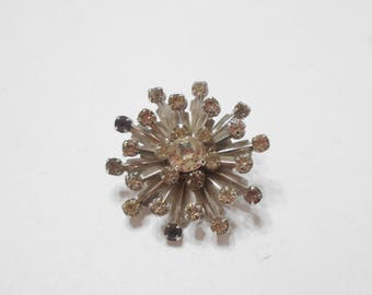 Vintage Riveted Clear Rhinestone Brooch (5661)
