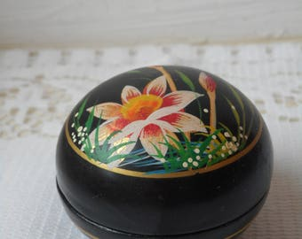 stunning vintage French wooden hand painted lidded trinket / pill box