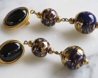 Gorgeous Navy & Blue Vintage Gold Tone Swirled Art Glass Dangle Earrings