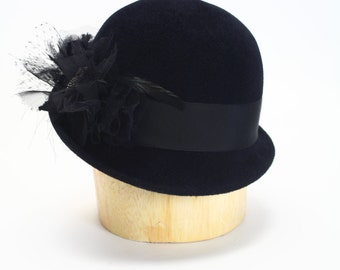 1920s Black Velour Fur Felt Cloche Hat/Grosgrain Band, Alligator Pin, Cage Veil, Tulle, Chiffon, Coq Feathers- Handmade/Millinery/Fur Hat