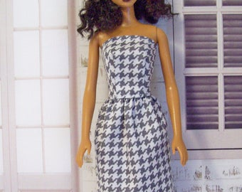 Handmade, Barbie clothes, sheath dress, gray and white, houndstooth, Barbie dress, Barbie sheath, fashion doll clothes, doll dress