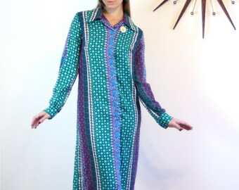 Vintage 70s Paisley Dress Long Sleeve Butterfly Collar SEARS Fashion Colorful Print Aqua Green Purple Blue Sheath Tent 1970s MAD MEN Shift