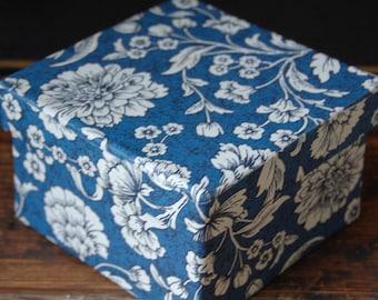 Diminutive Blue Floral Bandbox