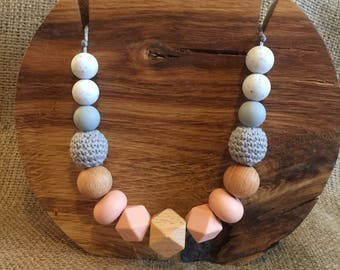 Beautiful Breastfeeding Teething Sensory Necklace