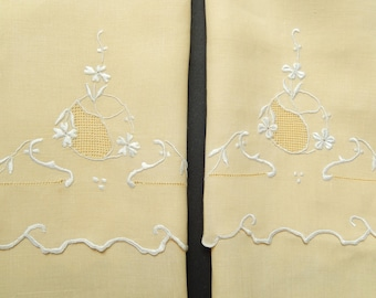 vintage embroidered guest towels, 2 finger tip towels, never used, hand embroidery, soft yellow, linens